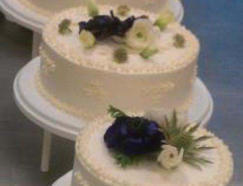 4 Etagers kage m. blå blomster