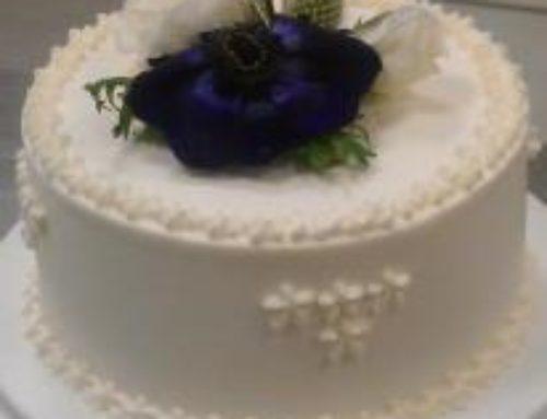 4 Etagers kage m. blå blomster, top